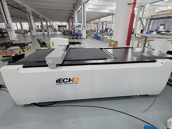 IECHO ultimo tipo di macchina PK1209- Area di taglio più grande, migliore effetto di taglio