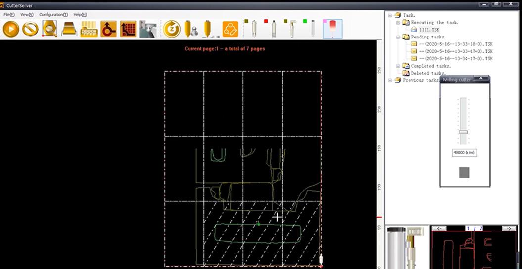 CutterServer è un software per impostare i parametri degli utensili e modificare le attività di taglio.